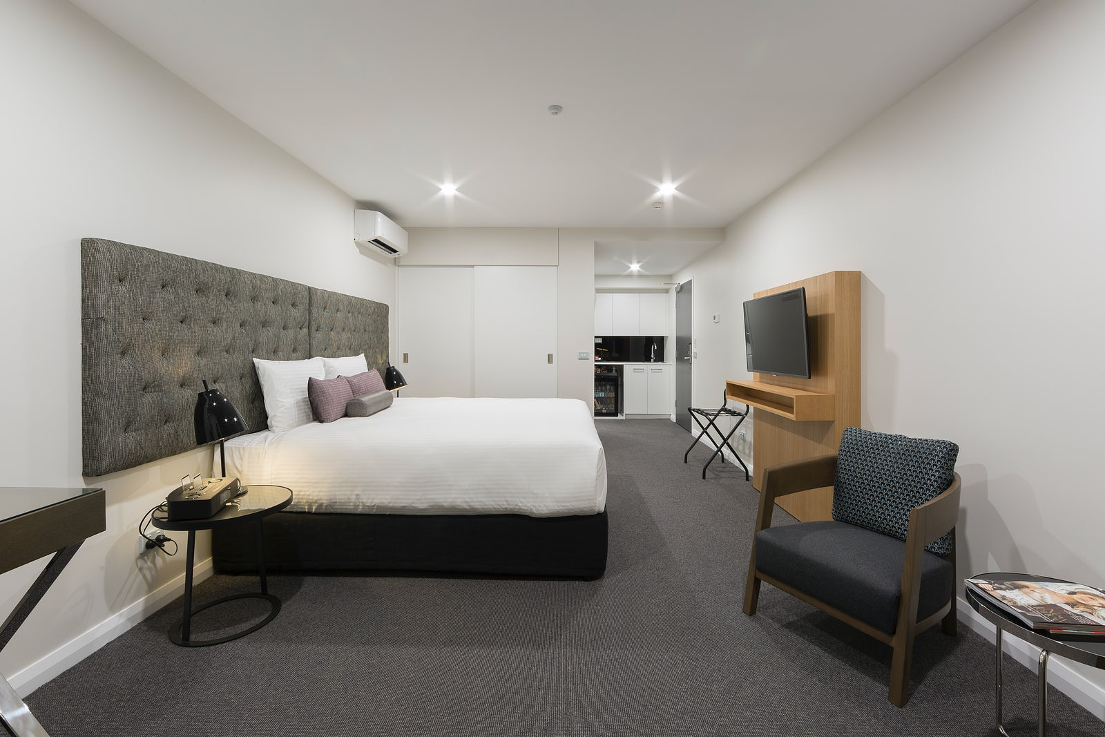 A picture of a one bedroom apartment in the Avenue Hotel in Canberra CBD