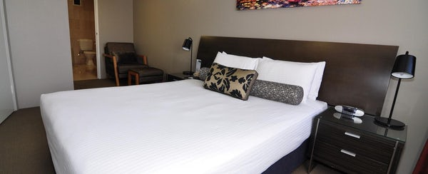 business accommodation canberra one bedroom apartment pavilion on northbourne