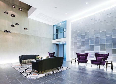 Picture of the stylish foyer in the Avenue Hotel located in Canberra CBD