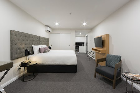 A picture of the Avenue hotels modern hotel room