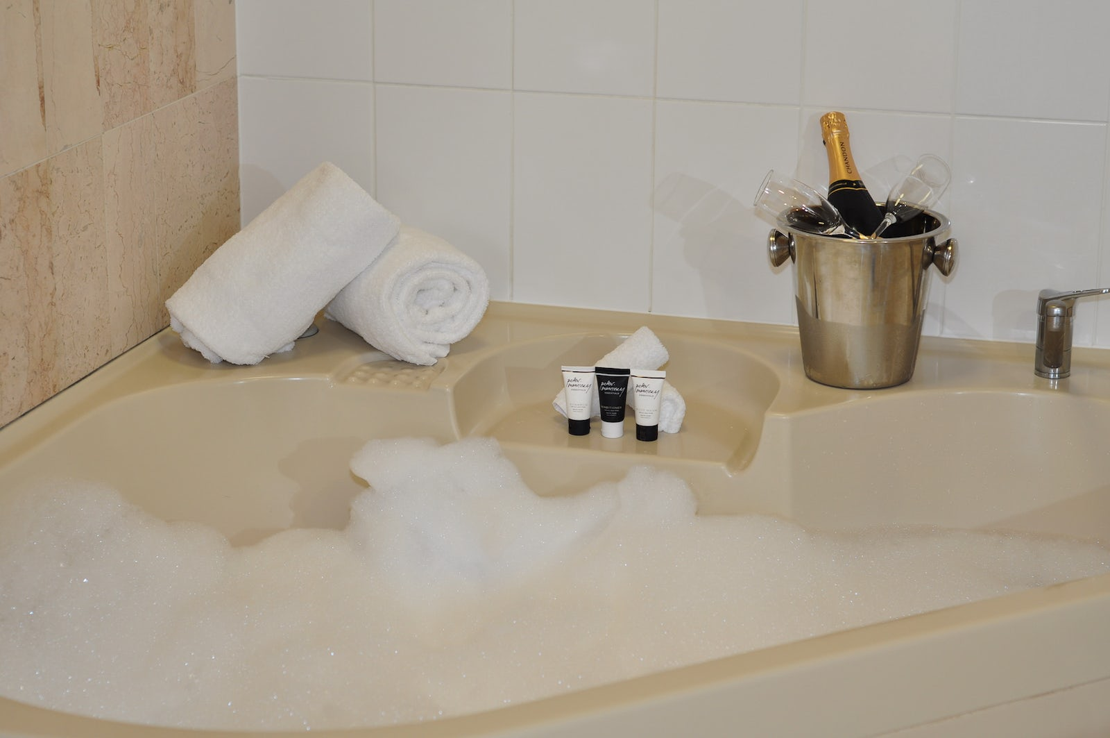 Picture of a Spa Suite at the Pavilion Hotel