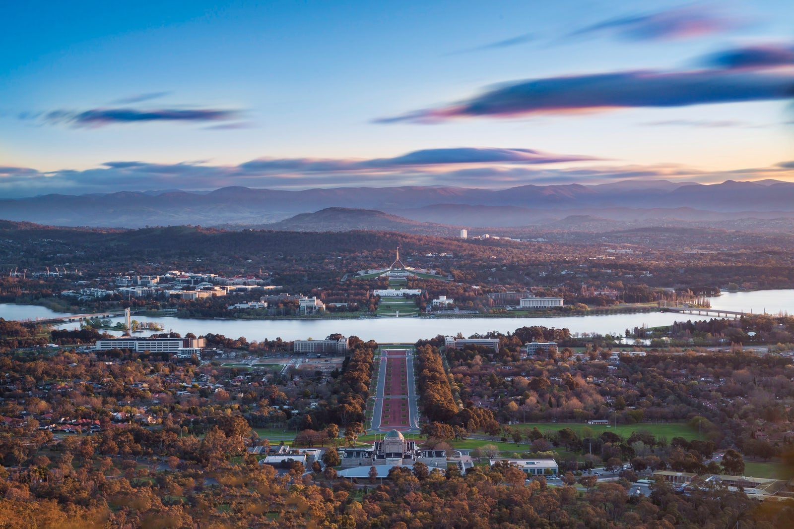 ViewfromMount Ainslie_MustCredit_VisitCanberra