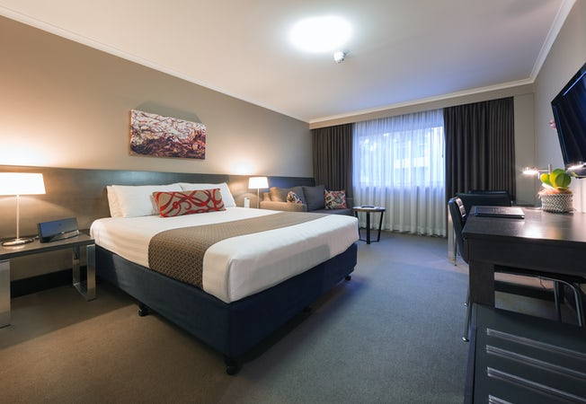 The Pavilion Hotel Canberra Rooms With Spa