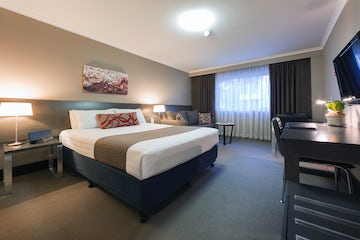 An image of a luxury hotel room at the Pavilion Hotel