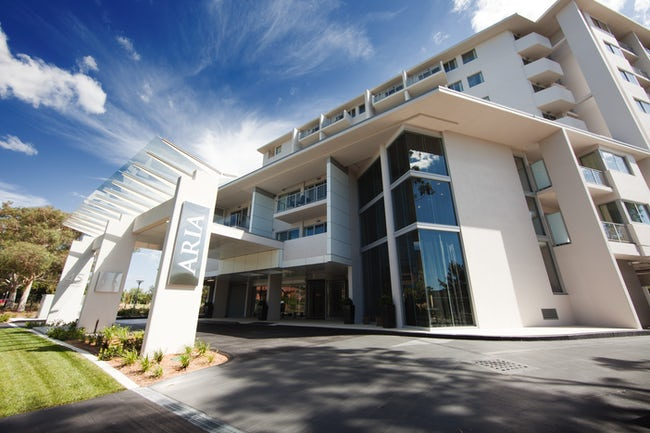 A Picture of the entrance to the stylish Aria Hotel in Canberra